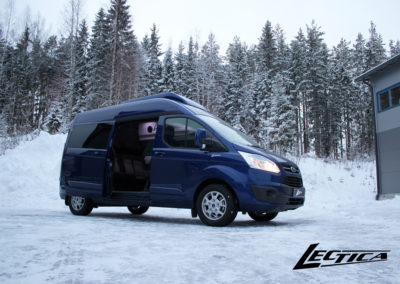 Lectica Custom Van Matkailuauto_kattokorotus